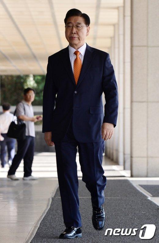 [사진]정준양 前포스코 회장, 4차조사 출석