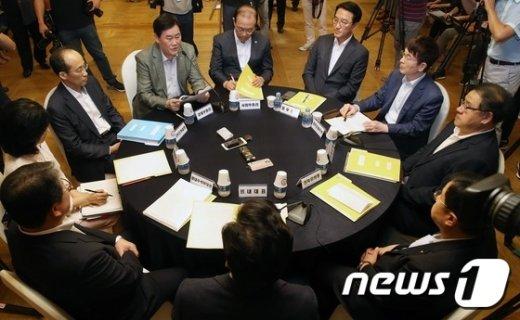 지난 8월 16일 여의도 국회 사랑재에서 열린 당·정·청 정책조정협의회