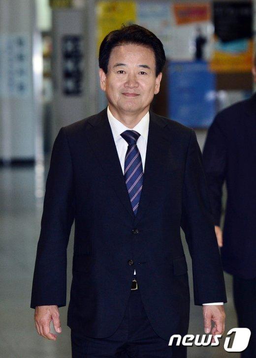 [사진]항소심 선고 공판 참석하는 정동영 전의원