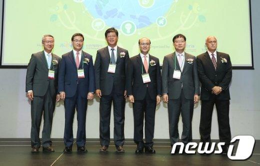 [사진]정연만 차관, 글로벌 그린 허브 코리아 참석