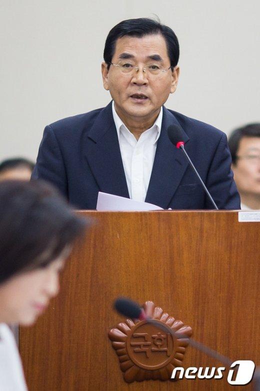 [사진]인사말하는 김대환 노사정위원장