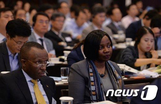 [사진]글로벌 에너지 문제 '외국인도 집중'