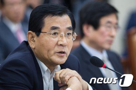 [사진]김대환 '사표 수리 안돼 실질적 업무 수행'