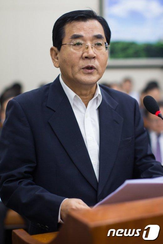 [사진]국감 인사말하는 김대환 노사정위원장