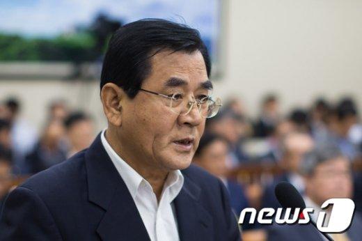 [사진]김대환 노사정위원장 국감 인사말