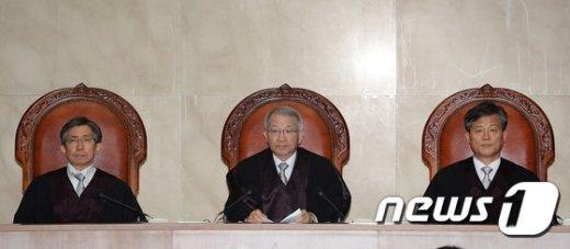 [사진]양승태 대법원장 '바람 피운 배우자 이혼 청구 허용 안돼'