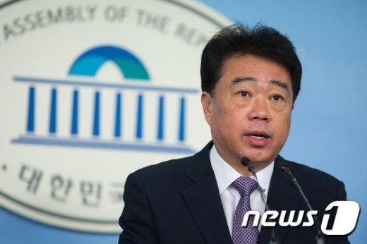 [사진]문재인-안철수 회동 결과 브리핑
