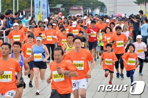 [사진]어른들과의 경주 '신나요'