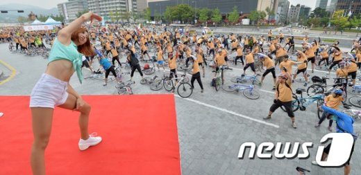 [사진]'안전한 자전거 행진을 위해'