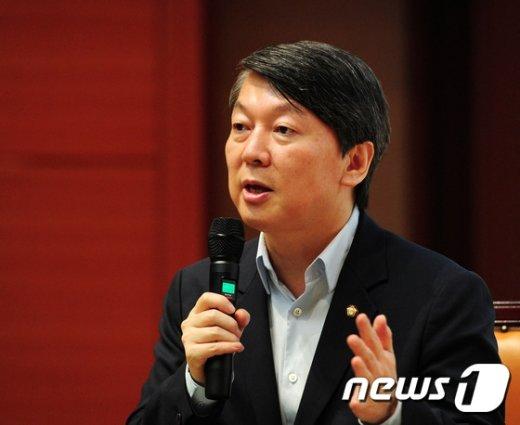 안철수 새정치민주연합 의원 /뉴스1 © News1 김대웅 기자