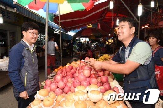 [사진]신원섭 청장, 임산물 가격 동향 점검