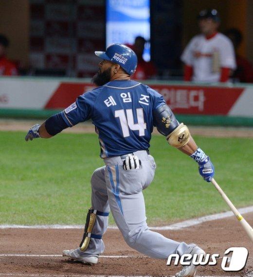 [사진]NC 테임즈 46호 홈런