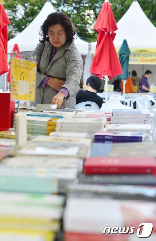 [사진]다양한 도서 만나볼 수 있는 '서울와우북페스티벌'