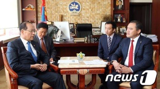 [사진]'한국-몽골 공동발전을 위한 교육협력 양해각서' 서명