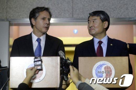 [사진]토니 블링큰 美 부장관 '박 대통령 방미 기대'
