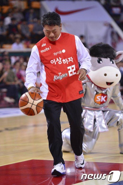 [사진]'농구장에 간 프로골퍼 최경주'