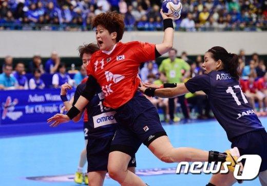[사진]2016 리우올림픽 핸드볼 아시아여자예선 결승전