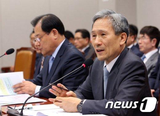 """[사진]김관진 """"KF-X 핵심기술 해외협력 통해 개발 가능"""""""