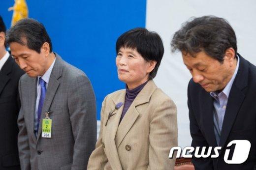 [사진]첫 회의 참석한 조은 새정치 선출직공직자평가위원장