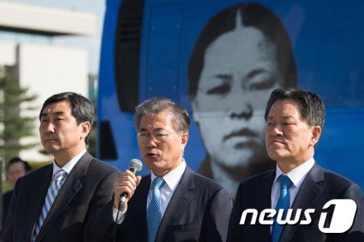 [사진]유관순 열사 앞의 새정치민주연합 지도부