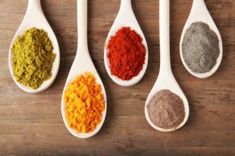 과학자들을 통해 소리, 색깔, 무게, 질감 등을 통해 더 좋은 맛을 느낄 수 있는 방안이 연구되고 있다/사진=미국 화학공학회 사이트