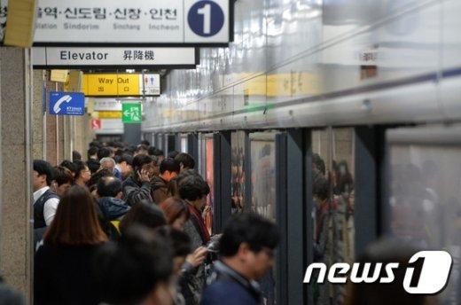 서울 지하철 1호선 종각역. /뉴스1 © News1 구윤성 기자