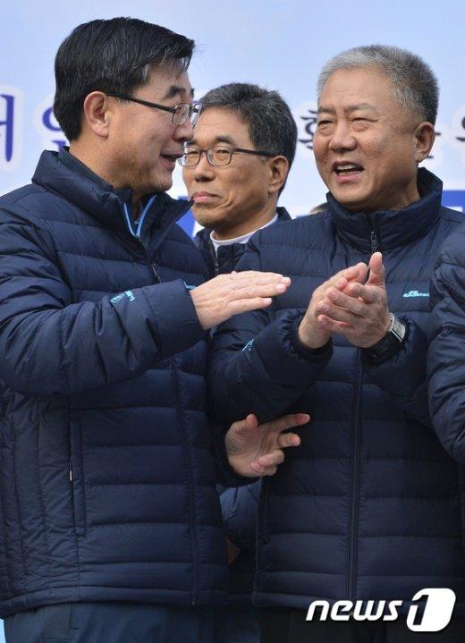 [사진]손기정 마라톤대회 참석한 이기권-김동만