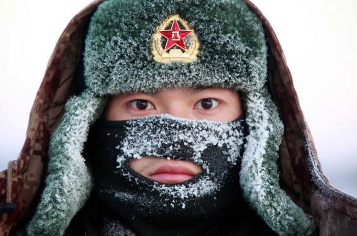 중국 헤이허市 병사들, 영하 30도 혹한에서 근무