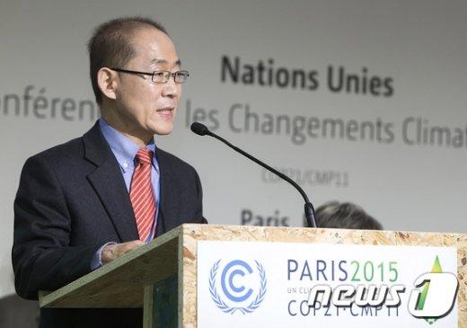 [사진]COP21에서 기조연설하는 이회성 의장