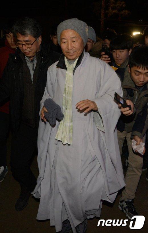 [사진]한상균 위원장 면담한 도법스님