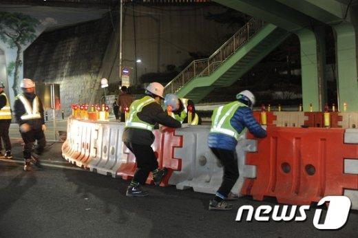 [사진]'서울역 고가 폐쇄합니다'