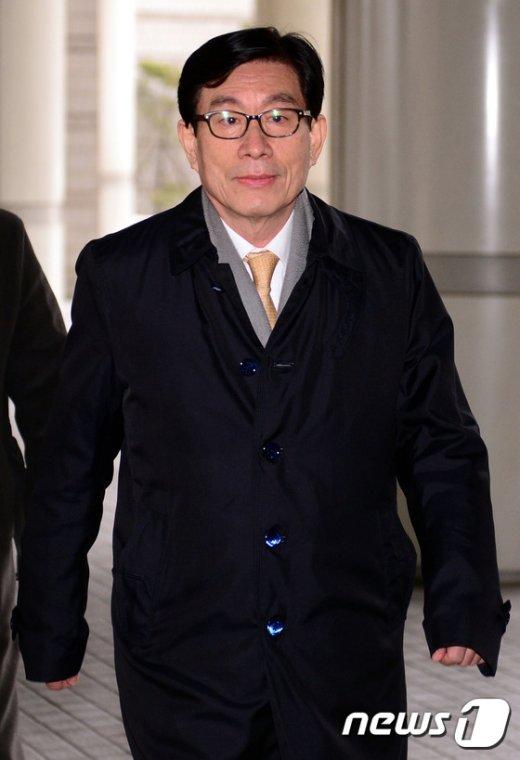 [사진]서울고법 출석하는 원세훈 전 국정원장