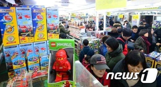 [사진]북새통 이룬 완구매장