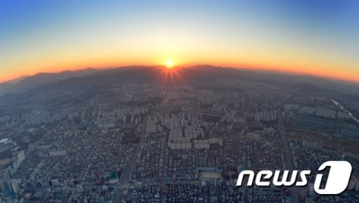 [사진]가장 높은곳에서 바라본 서울의 일출