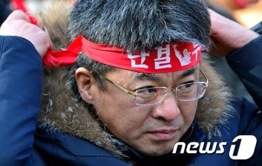 [사진]변성호 위원장 '단결 투쟁'
