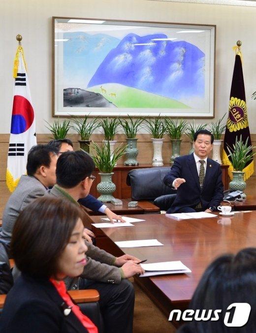 [사진]유치원 원장들, 서울시의회에 누리과정 예산 편성 촉구