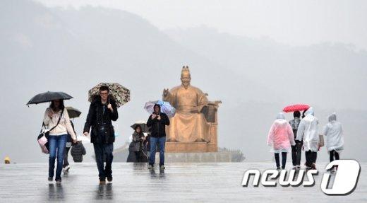 [사진]비 내리는 광화문광장