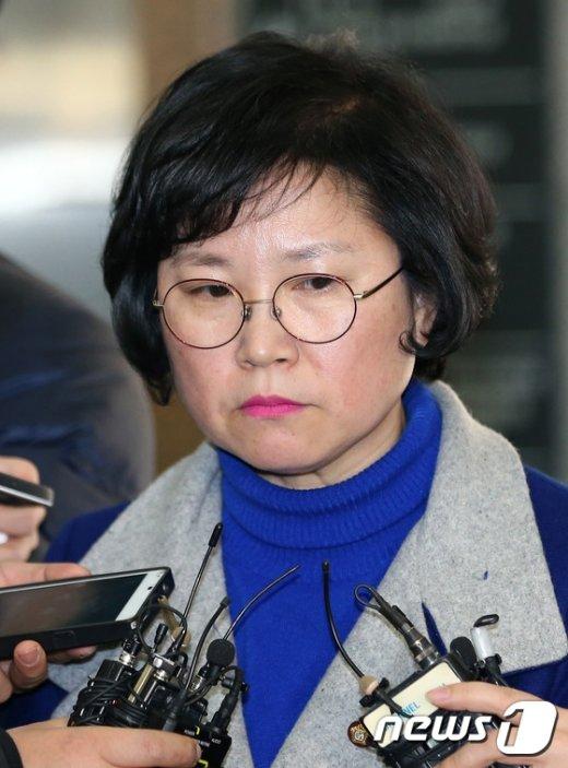 [사진]생각에 잠긴 김현 의원