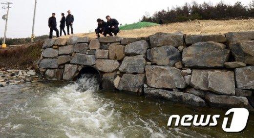 [사진]보령댐으로 흐르는 금강물