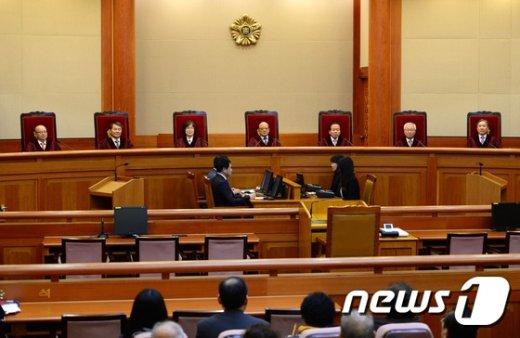 박한철 헌법재판소장과 헌법재판관들. /뉴스1 © News1 이광호 기자