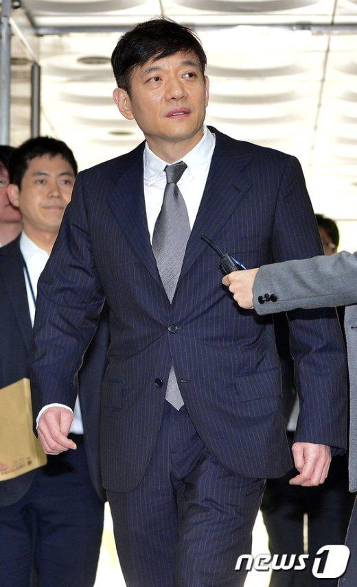 [사진]침묵하는 서홍민 리드코프 부회장