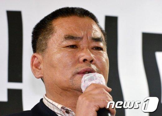 [사진]추선희 어버이연합 사무총장 '눈물이 글썽'
