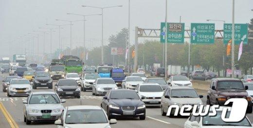 [사진]한해 교통량이 가장 많은 자유로