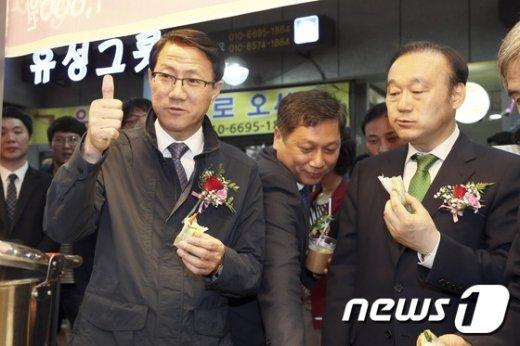 [사진]경주중앙시장 찾은 김성렬 차관