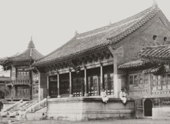 1900년대 고종이 책을 읽던 서재로 사용된 경복궁 집옥재(集玉齋)의 풍경. /사진제공=문화재청