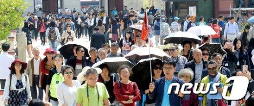 [사진]중국 노동절 연휴 대한민국 찾은 유커들