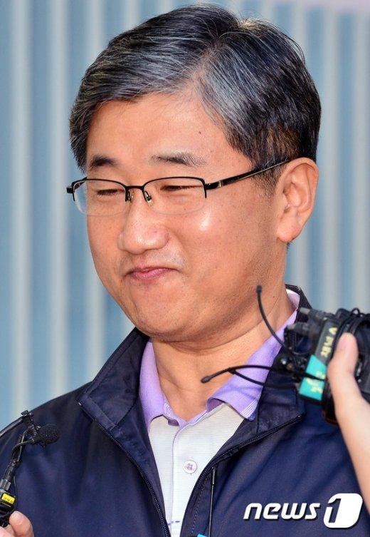 [사진]박관천 경정 '쉬러 갈게요'