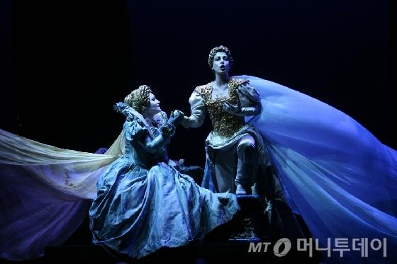 소극장 창작 오페라 '쉰살의 남자'/사진제공=예술의전당