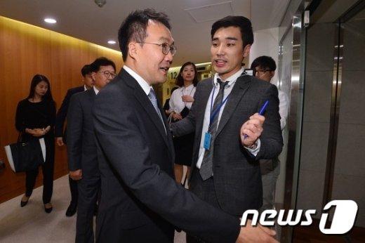 [사진]신격호 롯데 총괄회장 입원한 병실 찾은 법원 관계자들