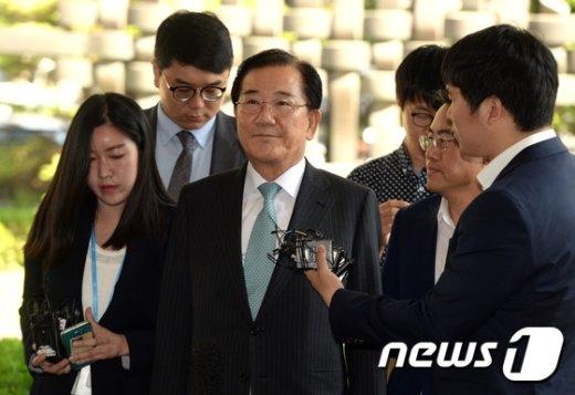 [사진]남부지법 출석한 박준영 당선인